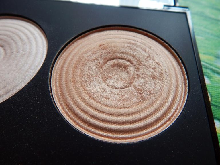 Makeup Revolution Radiance Palette details 1